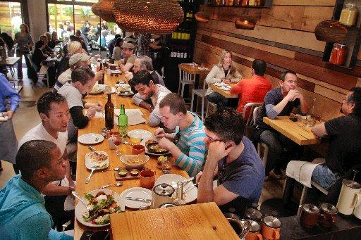mesa comunal compartir